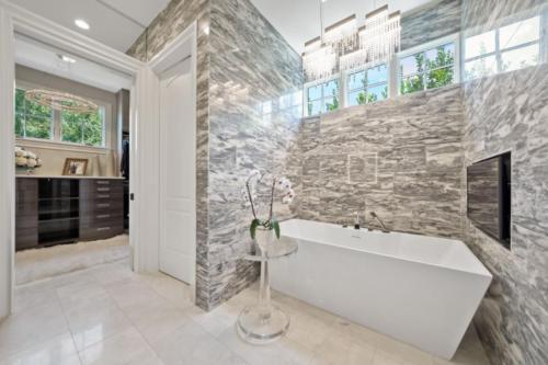Master-Bath-view-to-closet1